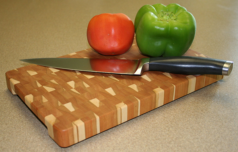 CuttingBoardEndGrnCherry1-1.jpg